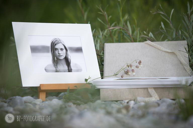 Fotoprodukt Foliobox mit Staffelei und Kunstdrucken