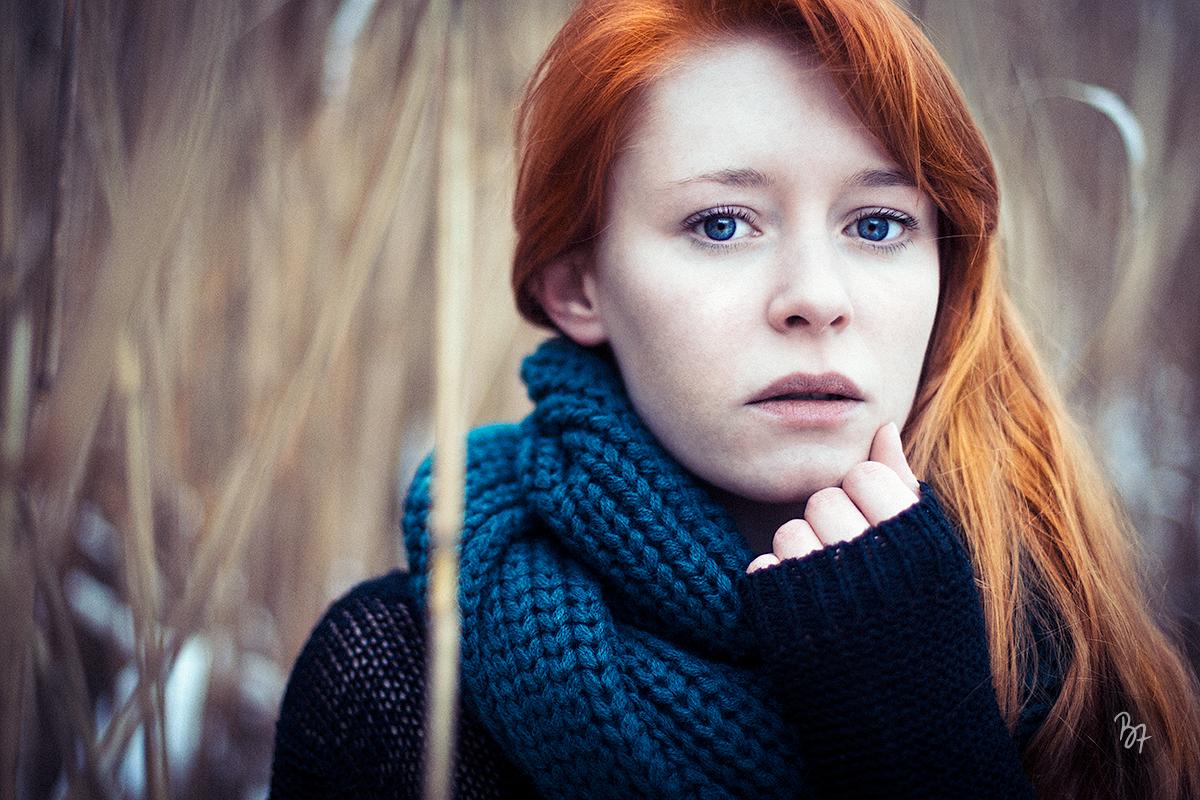 portrait-frau-winter-rotehaare