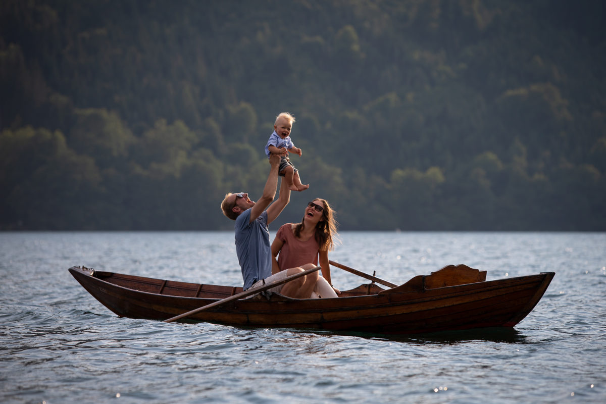 Familienportrait im Ruderboot